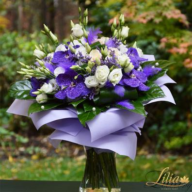 Bouquet with white roses and vanda orchids